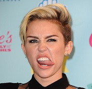 miley-cyrus-tongue-2